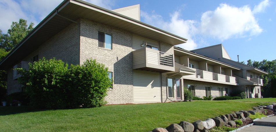 Maple Grove Apartments For Rent In Sussex Wisconsin