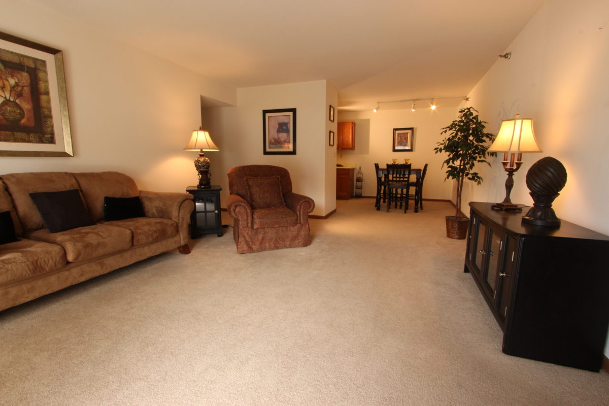 Cameron Heights Apartments For Rent In Menomonee Falls