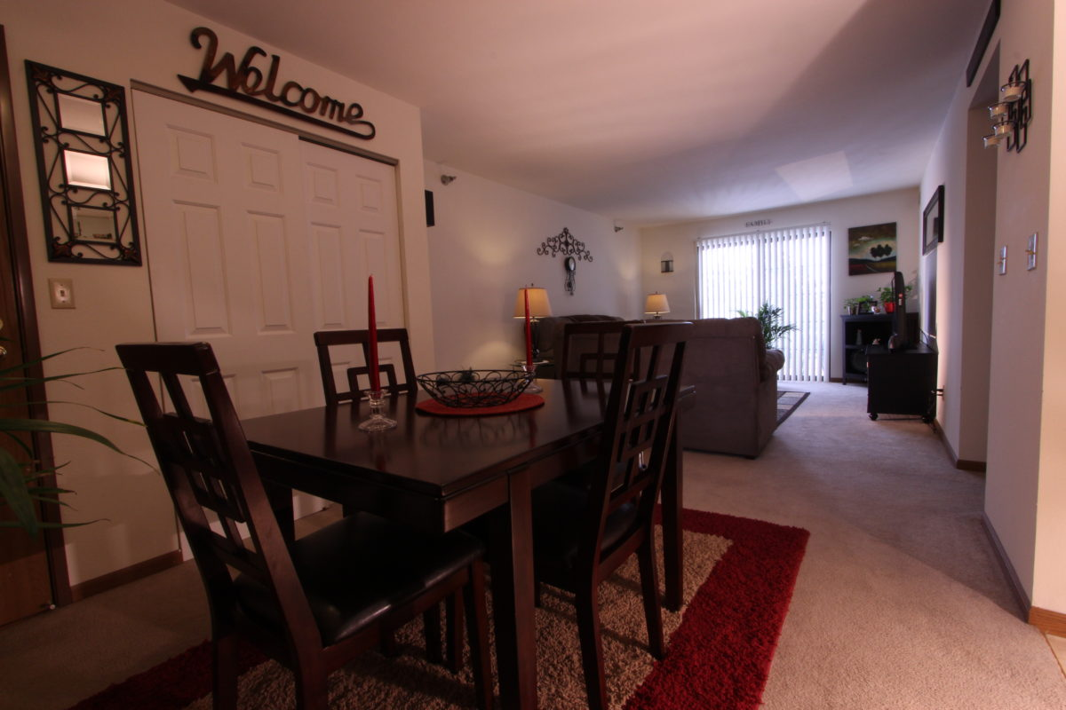 Cameron Heights Apartments For Rent In Menomonee Falls Wisconsin
