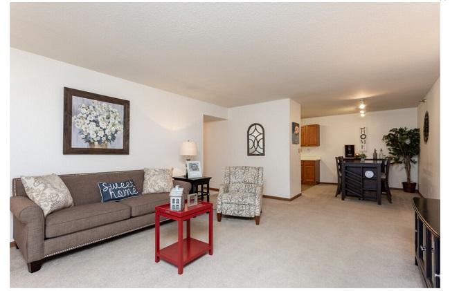 Cameron Heights living room
